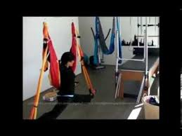 demostracion ejercicios columpio hamaca aero yoga swing pilates aereo 2