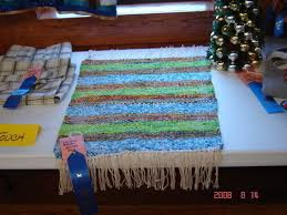 frame loom rag rug next prev i found a book on weaving and found a large picture frame some nails