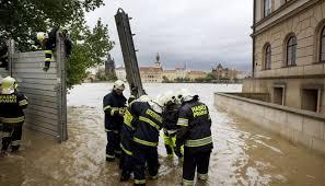 Наводнение что это такое причины виды фото   и где можно будет переждать наводнение Также стоит заранее разузнать о том где находятся лодки плоты или строительные материалы чтобы в случае