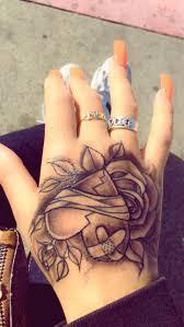 Designs For Hand Tattoos For Female Broken Heart Hand Tattoo Hand Tattoos For Women Hand
