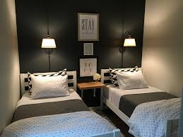 Small Room Bedroom 17 Best Ideas About Small Guest Bedrooms On Pinterest Small