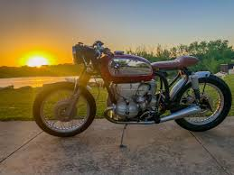 introduced in 1970 the r75 5 was the largest bmw motorcycle of the time offering a 750cc 50 horsepower boxer engine capable of pushing the machine to 110