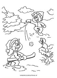 Kleurplaat Sneeuwballen Gooien Pret Jaargetijden