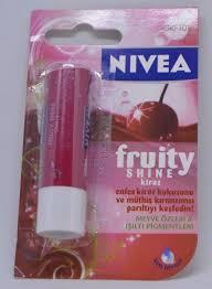 nivea long lasting lip balm fruity