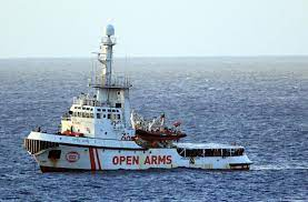 """El 'Open Arms' inicia su regreso a España, donde se estudiará su reparación  o sustitución: """"Su corazón se agota"""""""