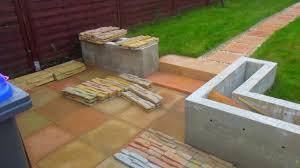 Außentreppe aus beton, granit oder naturstein besser zur geltung. Eine Kleine Treppe Aus Beton Giessen Youtube