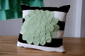 easy pillow designs. easy diy felt flower applique pillow designs