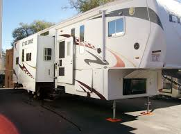 2009 heartland cyclone 3950 toy hauler 41 5th wheel w 12 foot garage