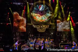 weir billy and micky joined by john mayer oteil burbridge and jeff chiementi burning up the garden on night