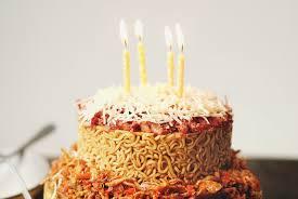 Kue Ulang Tahun Indomie Goreng Harian Inhua Online