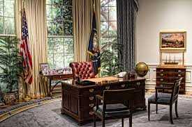 oval office desk replica. George Bush Oval Office - Replica | By Trudy Desk I