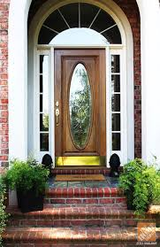 replace front doorFront Door Replacement Made Huge Impact on Curb Appeal