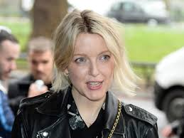 Lauren Laverne responds to criticism that she is 'out of her depth' on  Desert Island Discs: 'It doesn't wound me in a deep way' | The Independent  | The Independent