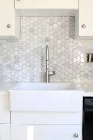 how to install a marble hexagon tile backsplash