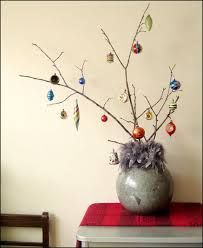 Bauble Display Stand Baubles on Branches DIY Ornament Display Loulou Downtown 30