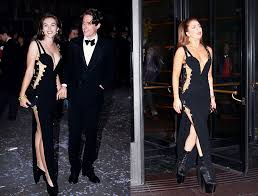 Liz Hurley 1994 (with then boyfriend Hugh Grant) and Lady Gaga 2012 in  Donatella Versace's safety pin classic dress. Eighte… | Fashion, Classic  dress, Versace dress