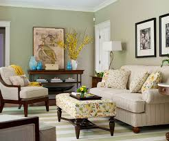 Living Room Paint Colors Greens | ... Room. Orange And Red Pieces Pop