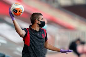 <b>Face mask</b> use in <b>sport</b>: the pros and cons for athletes