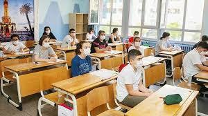 Veliler ve öğrenciler, okulların ilan edilen 31 ağustos tarihinde açılıp açılmayacağını merak ediyordu. Kzquoouho29s5m