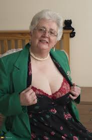 British granny playing with her voluptous body Pichunter