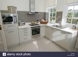 Modern white shaker kitchen Remodel White Modern White Shaker Style Kitchen England Isle Of Wight Uk Great Britain Alamy Modern White Shaker Style Kitchen England Isle Of Wight Uk Great