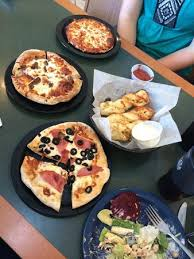 round table pizza yummy
