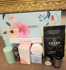 about organic bunny box the cost 59 00 month with us only the s 6 8 um or full sized non toxic natural and organic beauty