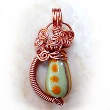picture of wire wrapped bead pendant