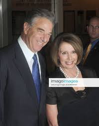 Stockfoto Nancy Pelosi and Paul Pelosi TONY BENNETT 85T