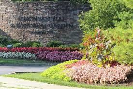 entrance to the cincinnati zoo botanical garden