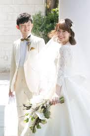 2着のウェディングドレスでアンティーク感たっぷりの花嫁コーディネート