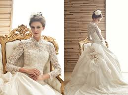 here comes the queen 20 unbelievably gorgeous wedding dresses