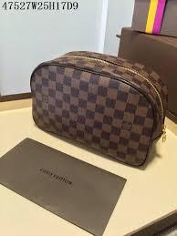 82 louis vuitton aaa quality cosmetic bag 243904 gt243904 replica louis vuitton aaa wallets