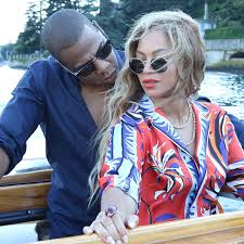 beyonce and jay z s best pda moments pictures popsugar  beyonce and jay z s best pda moments pictures popsugar celebrity uk