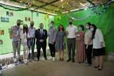 סוכה בינלאומית: עשרות צעירים מכל העולם חוגגים יחד