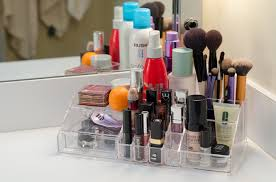 This is where I store all of the products that I use the most or on a daily  basis. After wanting a makeup organizer for the longest time, my mom  surprised ...
