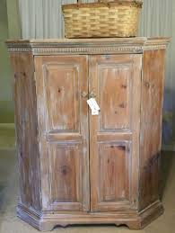 Whitewashing Stained Wood The Vintage Nest Get The Look Of White Washing Or Pickling With