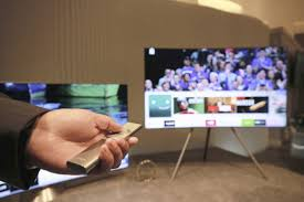 samsung tv qled. samsung\u0027s 2017 smart tv offerings focus on a unified, simple user experience so consumers can more easily access the content they want, when want it. samsung tv qled