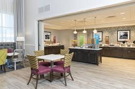 a restaurant or other place to eat at hampton inn suites by hilton chicago schaumburg