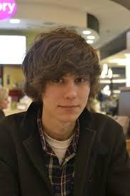 Kompletnie nie mój typ. Lubię raczej długie włosy i nie znoszę, jak faceci się malują. 1/10. Piotr Skowronek http://sphotos-d.ak.fbcdn.net/hphotos- - 13085_423868727702142_355566214_n