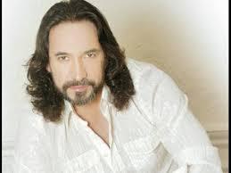 Mexican Singer Marco Antonio Solis Plays In Zocalo Square - YouTube