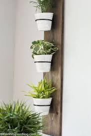 diy farmhouse style vertical plant