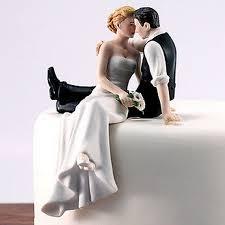 Romantic Bride And Groom Wedding Cake Topper Couple Hug Kiss Bridal