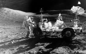 القمر كان مشتعلا فمحونا اية الليل  Images?q=tbn:ANd9GcT8FvVa9K-8pyPHI9g0Gdw0LmWQhYETU-ds6kOU7JI7h2jZs_9M