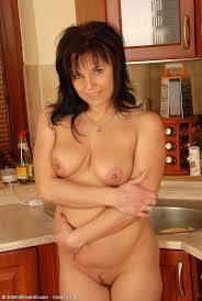Nude chubby 40-year-old brunette