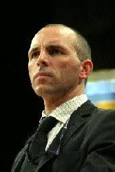 <b>...</b> élue lui aussi coach de l'année en 1995, <b>Jacques Vernerey</b>. - 01072005114139-coudray_entr_2005