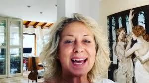 Carolyn Smith | fra tumore e lockdown è dimagrita di 12 kg