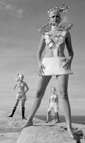 「andré courrèges mini skirt」の画像検索結果