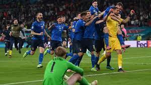 إيطاليا تحرم إنجلترا من لقبها الأول وتتوج ببطولة أوروبا للمرة الأولى منذ 53  عامًا - CNN Arabic