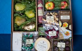 best gift baskets of 2019 nourish your friendship with a food her top ten reviews